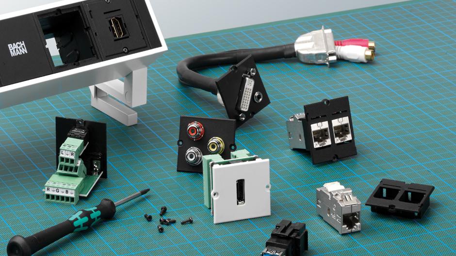 Bachmann Desk 2 Gehäuse mit 3x Strom, 2 x leer